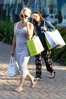 Pamela Anderson returning from shopping