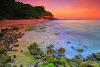 Pantai-paga-sokka-flores3.jpg