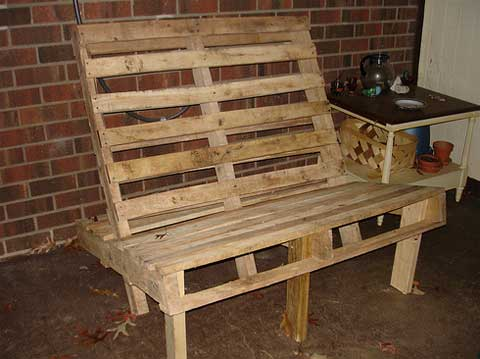 Pallet furniture making outdoor furniture out of pallets for How to make furniture out of wood pallets