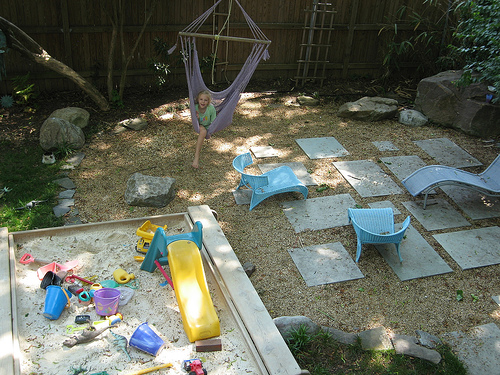 Backyard landscaping ideas for kids playground design ideas for Child friendly garden designs