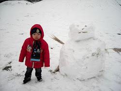 Zafran with snowman