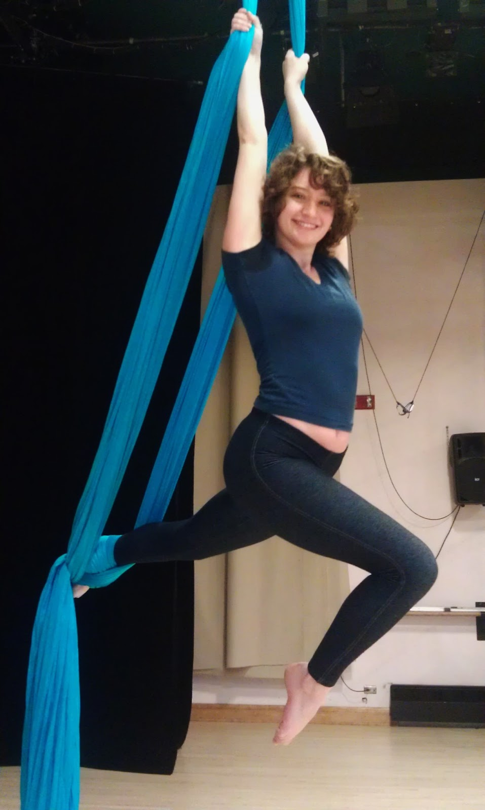 i hope this helps those who think aerial silks are something they could never do  it u0027s very possible  prepare find the place find the time and be willing     aerial dance  u0026 beginner u0027s training guide for aerial silks      rh   undertakingdance blogspot