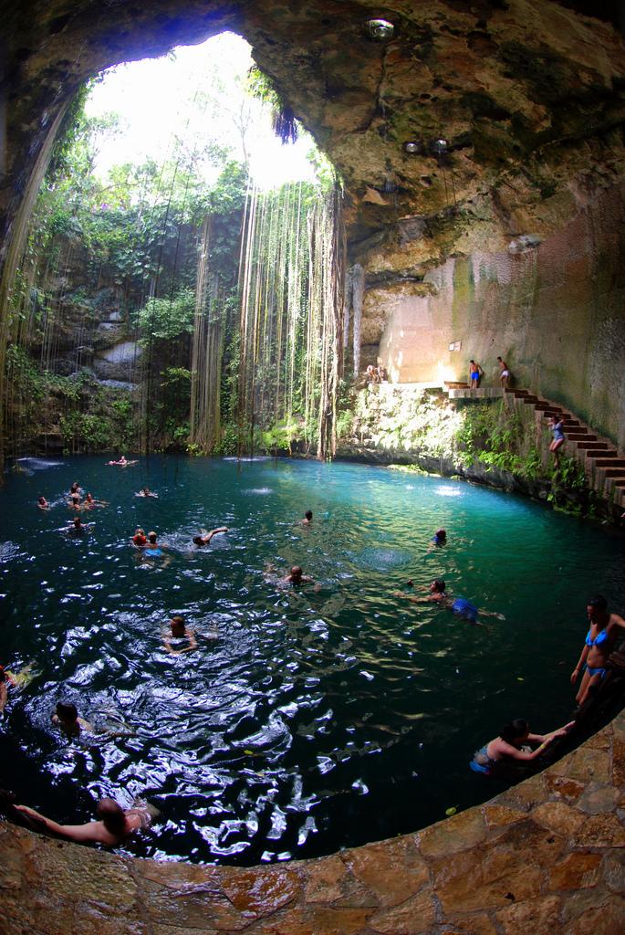 Ik Kil cenote, Yucatán, Mexico