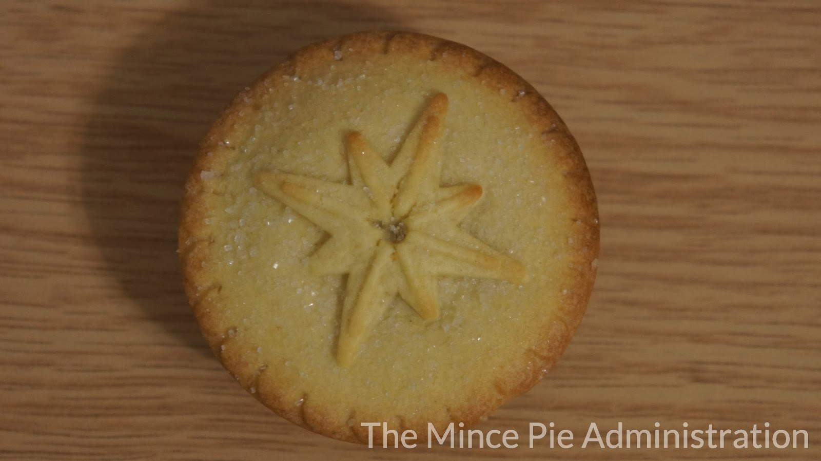 The Mince Pie Administration: Lidl - Snowy Lodge - 6 Luxury Mince Pies