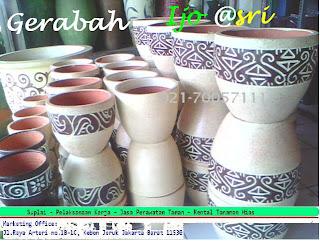 pot gerabah untuk tanaman hias dalam ruangan