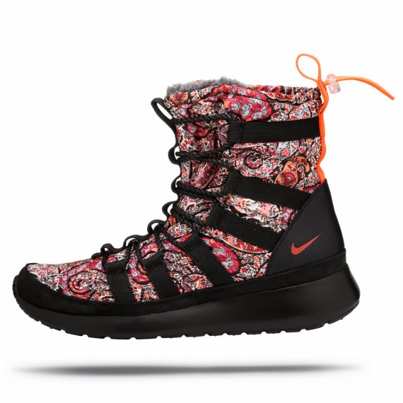 "Nike WMNS x Liberty of London ""Bourton Paisley Print"""