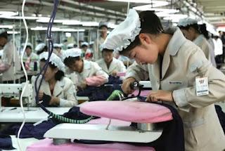 wanita karir, bagaimana dampaknya terhapada keluarga dan perkembangan anak, bagaimana mensiasati peran ganda tersebut?