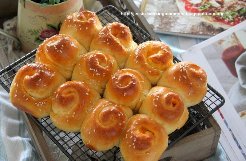 ... : 蜂蜜优格甜薯面包卷 Honey Yoghurt Sweet Potato Bread Rolls
