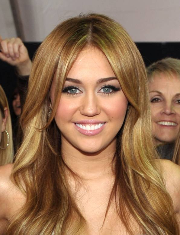 celebrity hairstyle ideas miley cyrus long blonde wavy