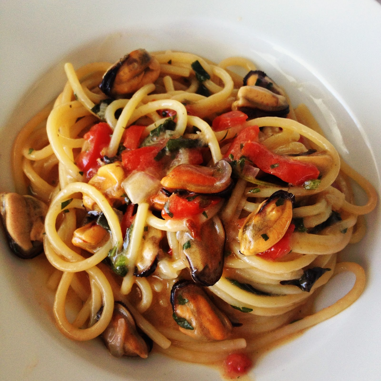 spaghetti con le cozze on Fashion and Cookies fashion blog, fashion blogger style