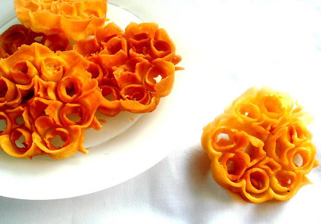 Eggless Achu Murukku/Rose Cookies/Achappam