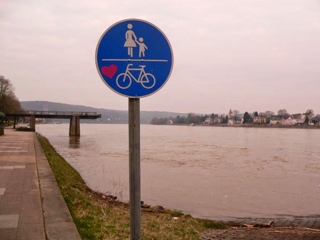 Herz Fahrrad Schild Rhein Remagen Brücke von Remagen