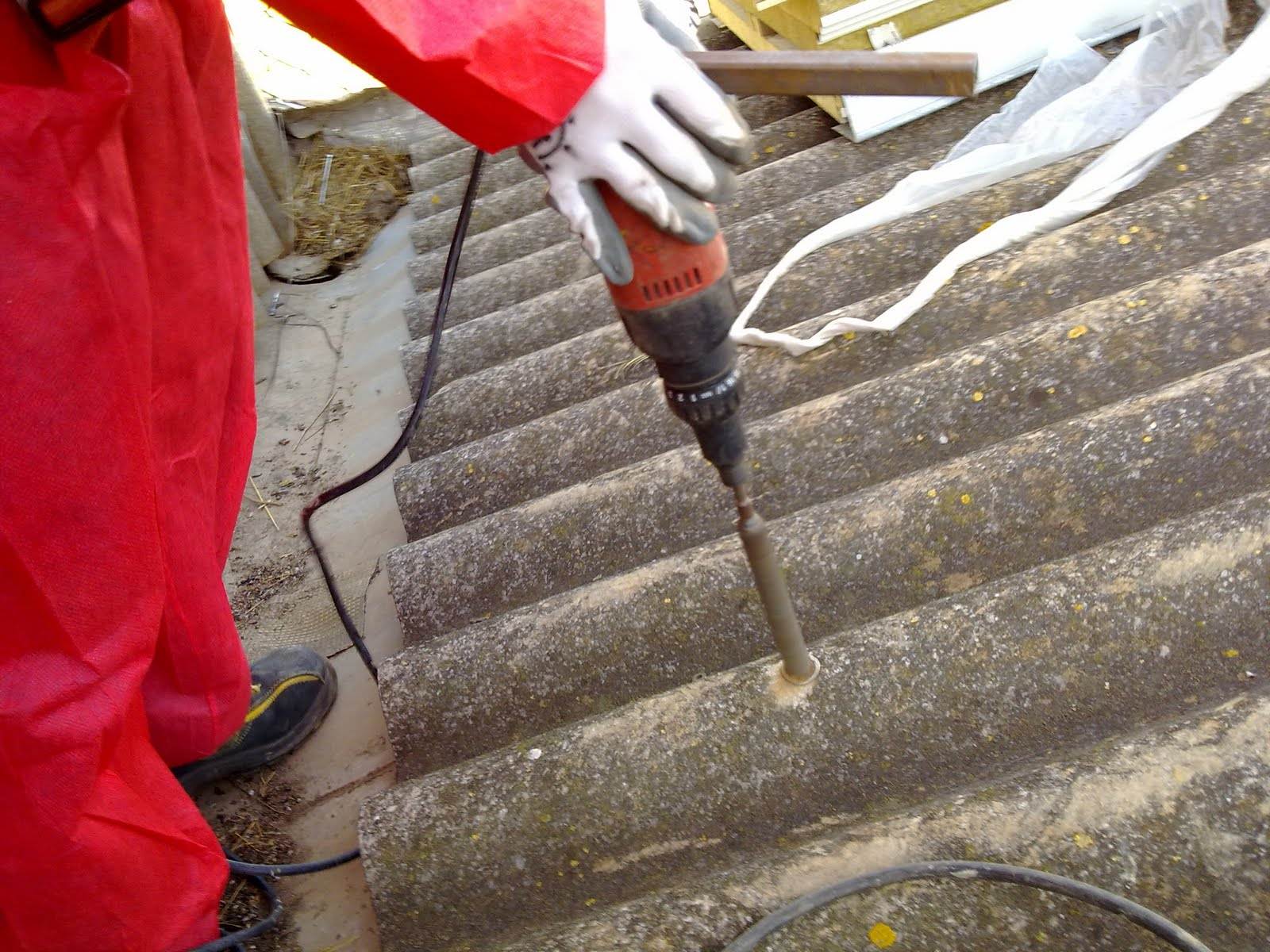 Metal y amianto sustituci n cubierta de uralita por panel for Fibrocemento sin amianto