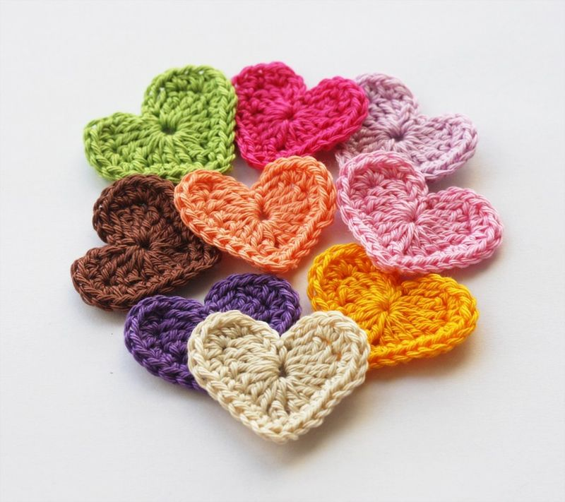 Crochet Heart : Crafty Saints: Wanted - Crochet Flowers / Hearts