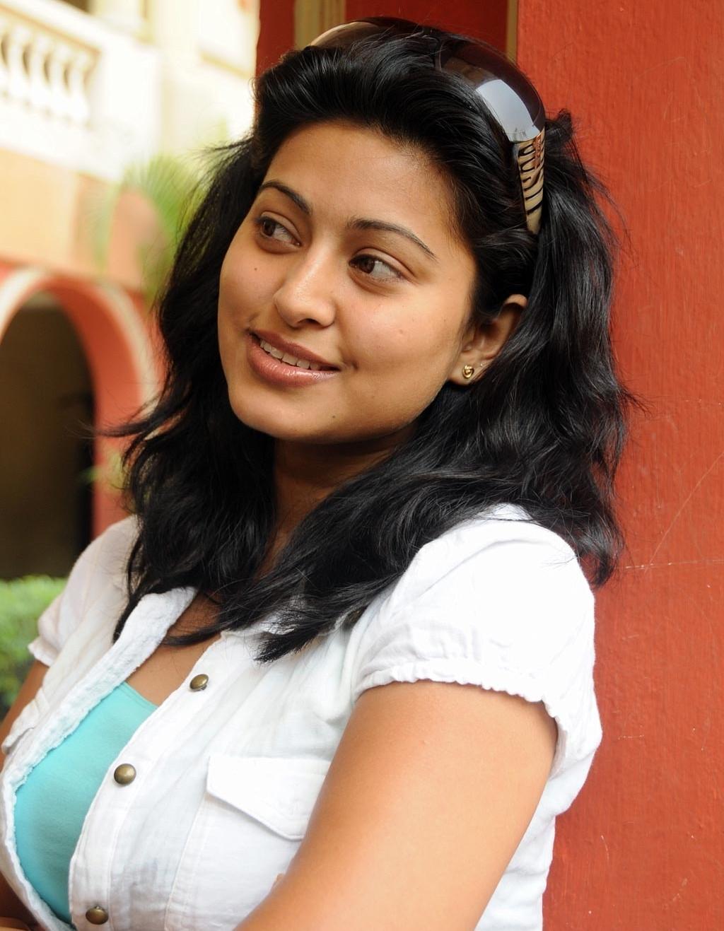 High quality sex pics of tamil actress sneha, man girls naked