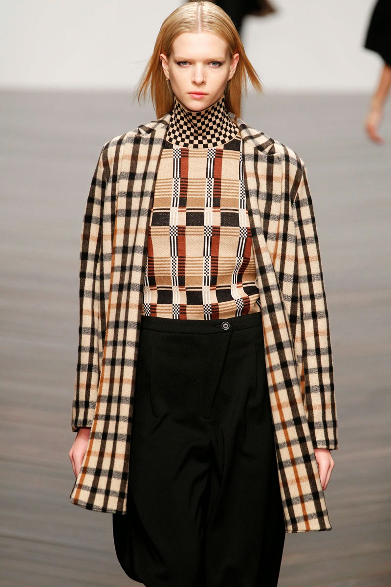 World Of Fashion  Fashion Trend  Plaid