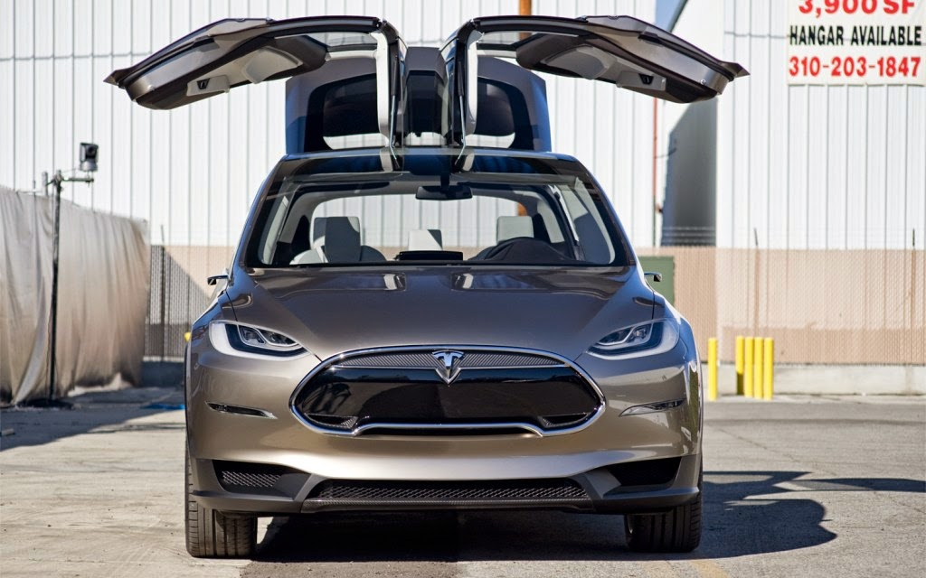Tesla Model X : The SUV that wants to compete the Porsche ...