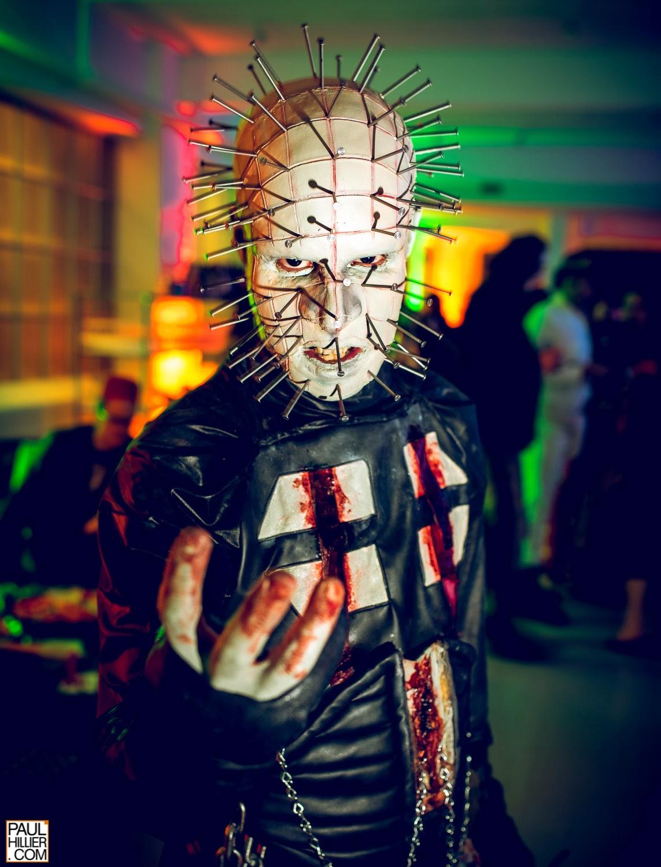 Superbe cosplay du personnage Pinhead du film Hellraiser