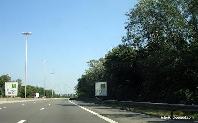 Дорожный знак Брюгге 1200 м
