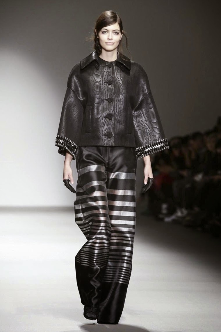 Jean-Pierre Braganza AW15, Jean-Pierre Braganza FW15, Jean-Pierre Braganza Fall Winter 2015, Jean-Pierre Braganza Autumn Winter 2015, Jean-Pierre Braganza, du dessin aux podiums, dudessinauxpodiums, vintage look, dress to impress, dress for less, boho, unique vintage, alloy clothing, venus clothing, la moda, spring trends, tendance, tendance de mode, blog de mode, fashion blog, blog mode, mode paris, paris mode, fashion news, designer, fashion designer, moda in pelle, ross dress for less, fashion magazines, fashion blogs, mode a toi, revista de moda, vintage, vintage definition, vintage retro, top fashion, suits online, blog de moda, blog moda, ropa, asos dresses, blogs de moda, dresses, tunique femme, vetements femmes, fashion tops, womens fashions, vetement tendance, fashion dresses, ladies clothes, robes de soiree, robe bustier, robe sexy, sexy dress