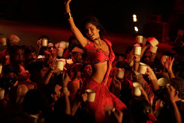 Katrina Kaif In Chikni Chameli From Agneepath Wallpapers Chikni Chameli song wallpapers