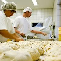 kisah-imam-hanbali-dengan-pembuat-roti