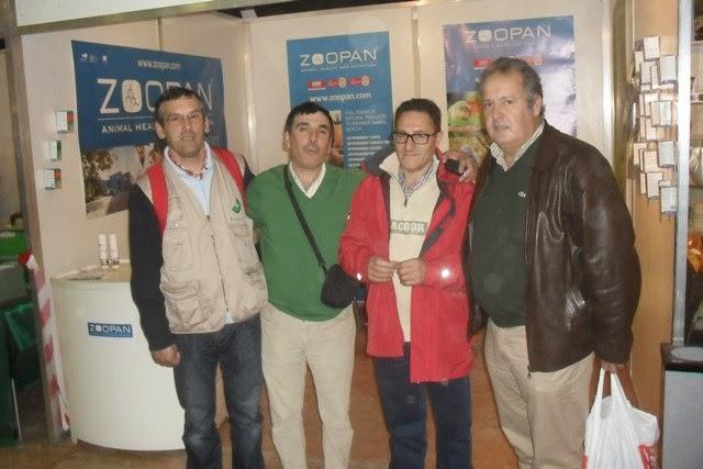 Momentos de confraternização entre amigos, no Campeonato Nacional de Ornitologia ( Torres Vedras )