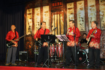 The SKE Evergreen Band playing for the Chap Goh Mei dinner 2012