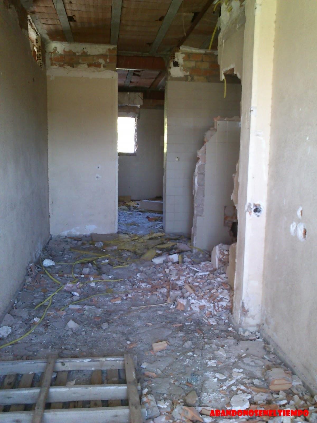 Abandonoseneltiempo empresa repsol butano abandonada for Oficina repsol butano