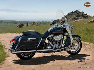 Spesifikasi Harga sepeda motor Harley Davidson Road King 2013