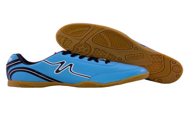 Sepatu Futsal produk Mitre dapat dibeli melalui mitre.co.id situs belanja online perlengkapan futsal dan bola.