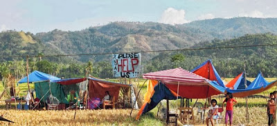 Penduduk Berkhemah di Sawah Padi Akibat Takut Gempa Bumi