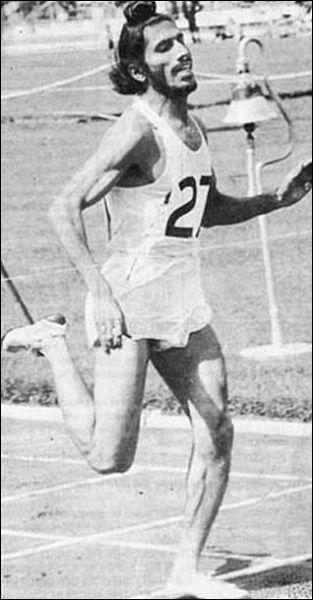 Rare Photos Of Indian Athlete Milkha Singh - MERE PIX