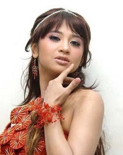foto artis telanjang dada