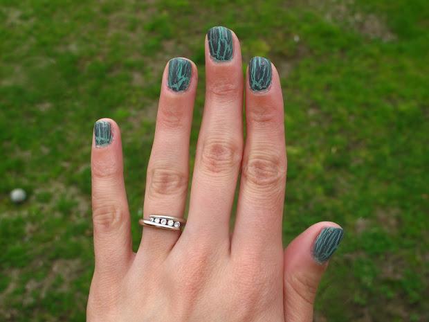 nail design ancient jade cracked