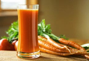 health benefits of drinking a glass of carrot juice daily