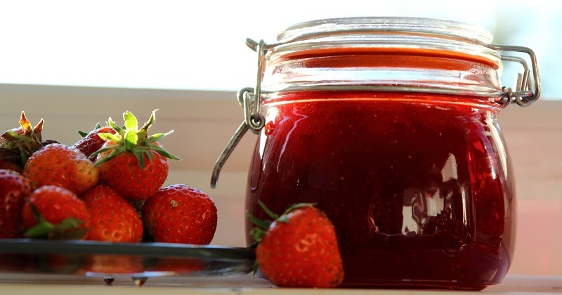Deb's Dust Bunny: Pam's Strawberry Jam
