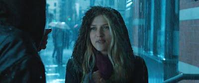 Teresa Palmer als Rebecca Barnes