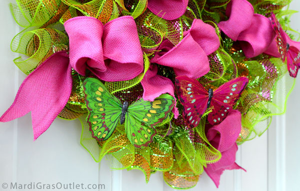 Deco Mesh DIY: Make a Ruffled Flip Flop Wreath for Summer, with Butterflies!