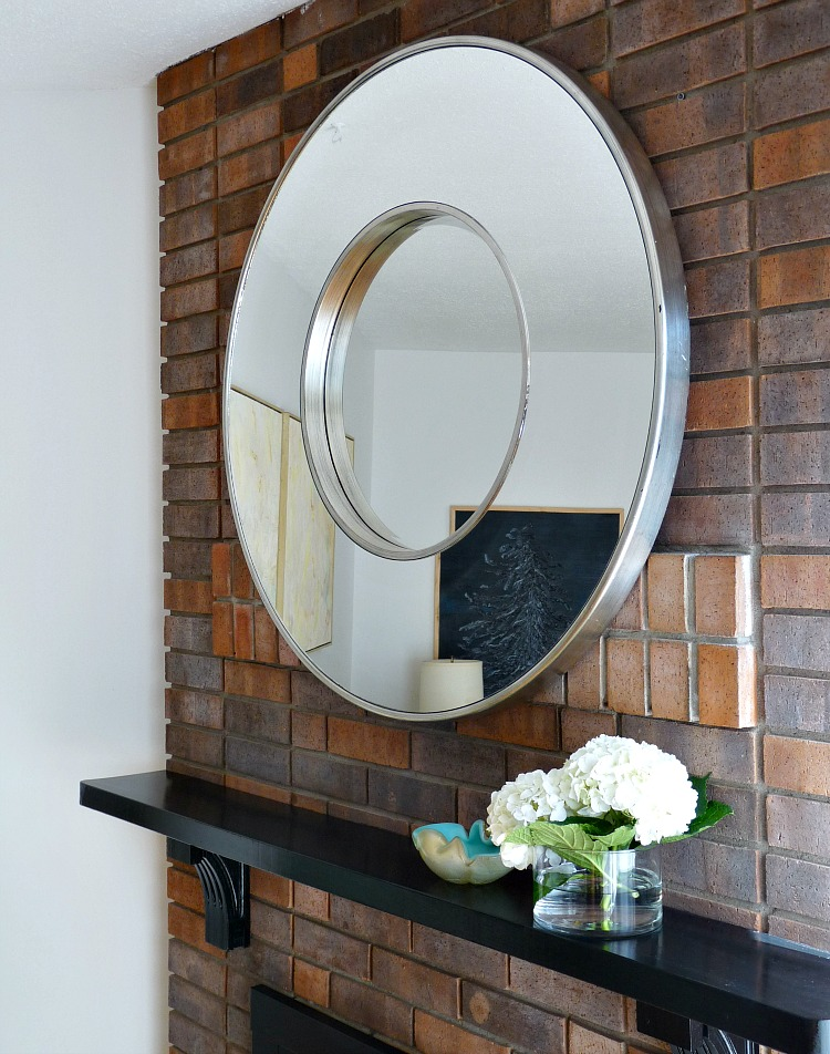 How to stage a living room and dining room for sale dans for Living room mirrors for sale
