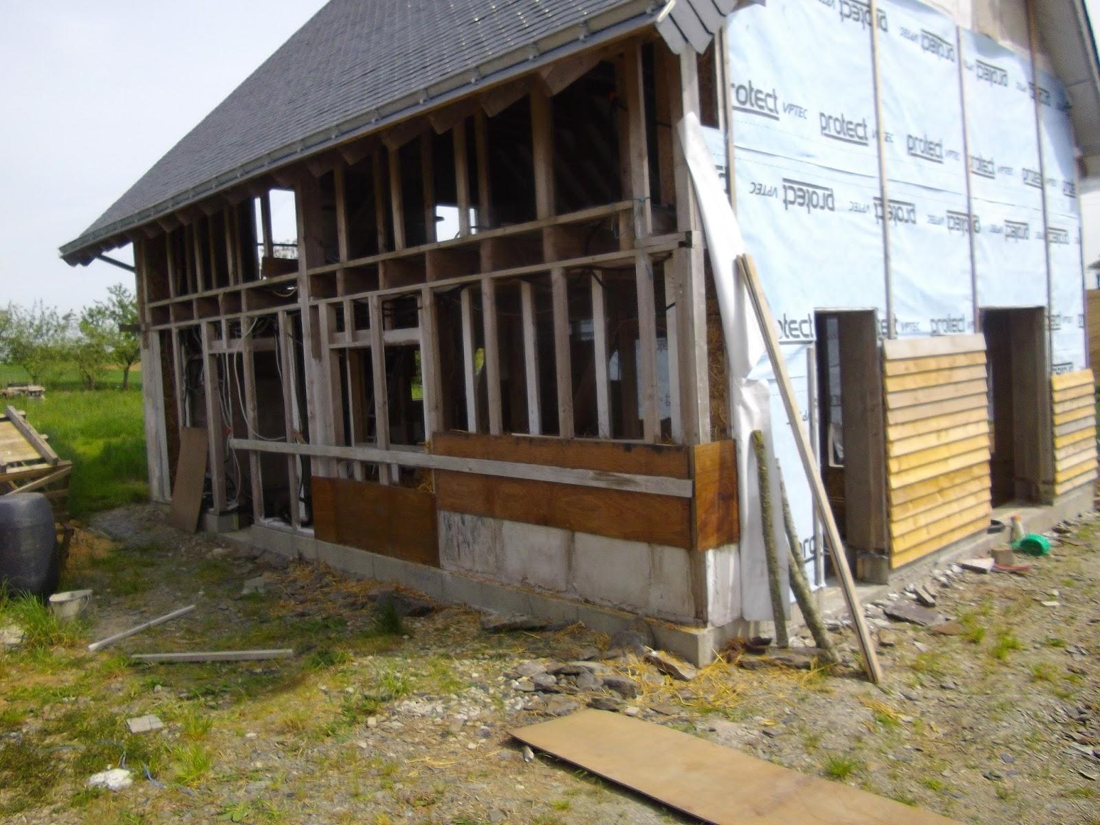 construction de notre maison en bois et paille remplissage mur nord plancher tage. Black Bedroom Furniture Sets. Home Design Ideas