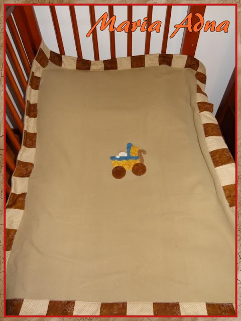 cobertor-patchwork-apliquê, patchwork-apliquê-blanquet, magazine published patchwork appliquee blanket, Maria Adna, Patchwork bolsas e afins, cobertor-almofada, Pet-Kid-Duo, Patchwork infantil