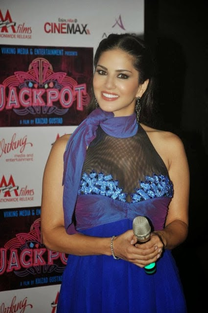Sunny Leone Hot HD Latest Wallpaper Free Download