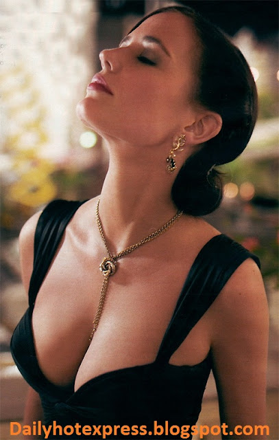 France Actress Eva Green Hot Pics