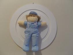 Quadro redondo 34 diametro c\ boneco de pano
