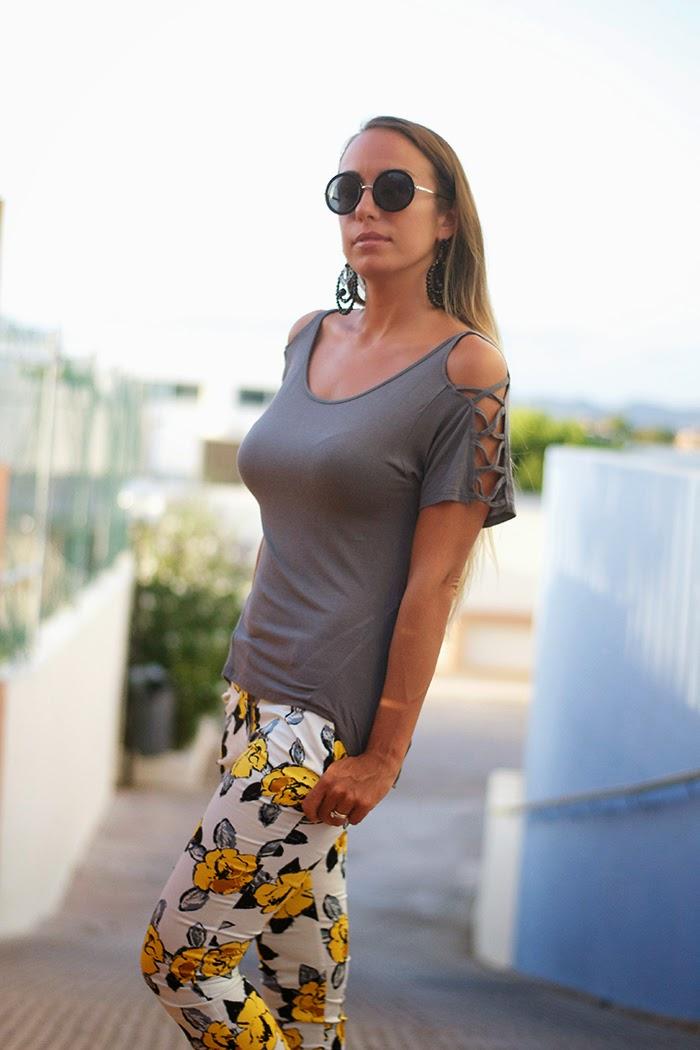 pantaloni fiori gialli