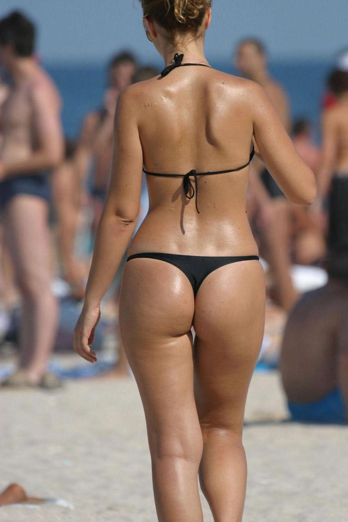 Candid Beach Thong Voyeur