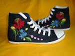 Kalocsai mintás tornacipő