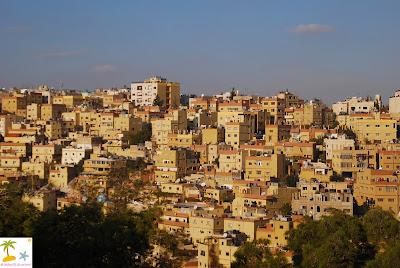 http://1.bp.blogspot.com/-23d8AxnQWdk/T_WeYFvVbNI/AAAAAAAAAsc/BAuyzoHnygo/s640/Kota+Amman+dilihat+dari+atas+Citadel.jpg