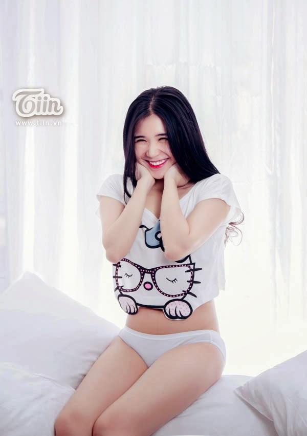 Hương Giang diện nội y nóng bỏng